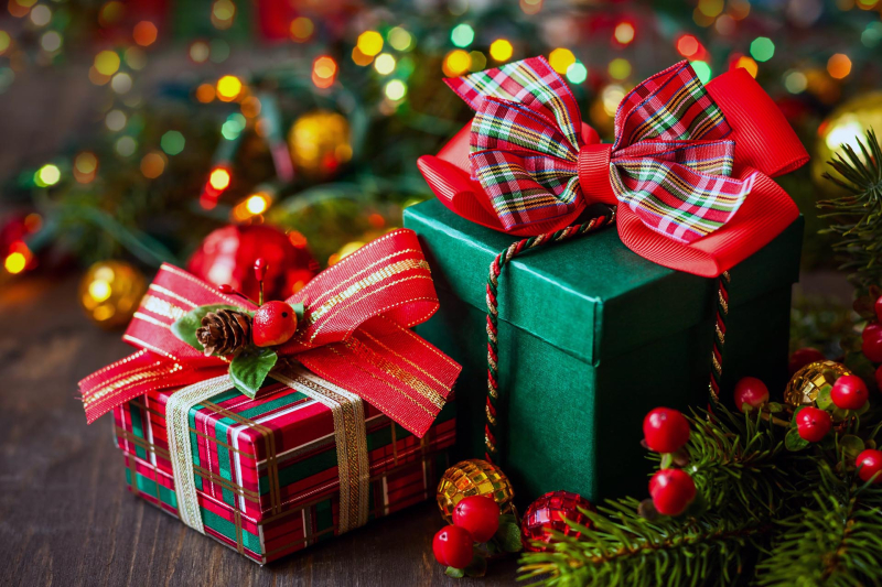 Holiday-gifts-1